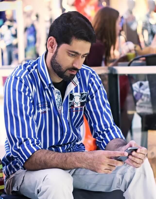 Arif Zeeshan Khan-pixelzeesh