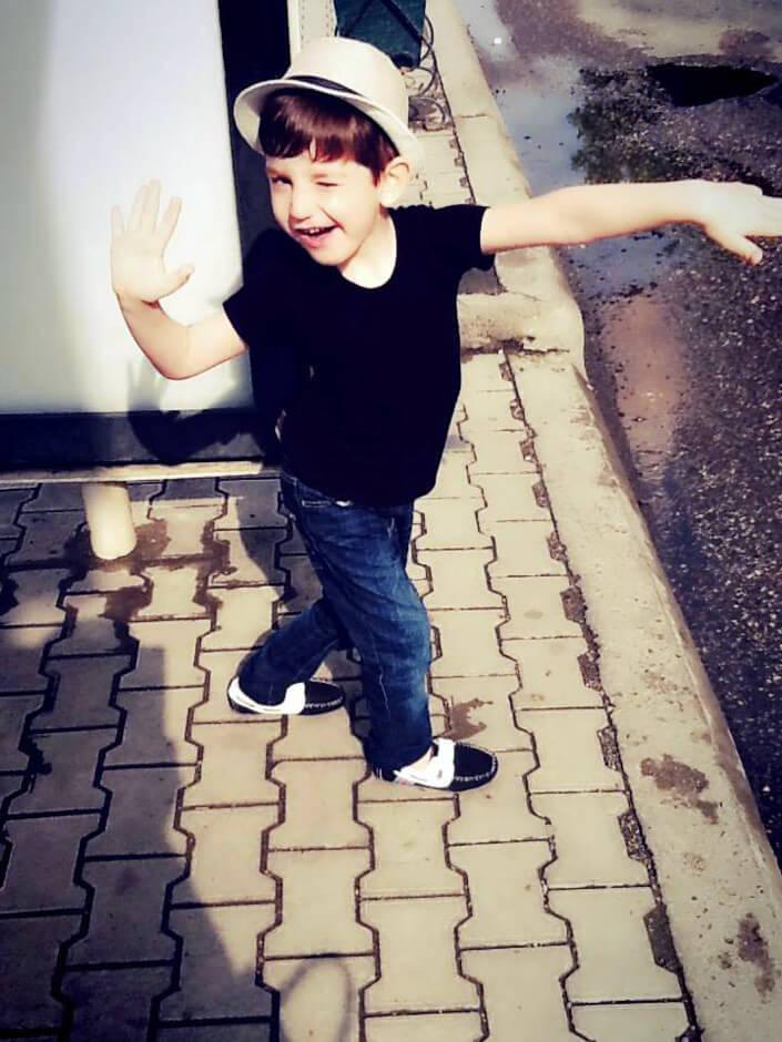 Dancing child by George Kakiashvili