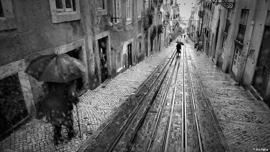 Rainy day - Street Photography - by Rui Palha
